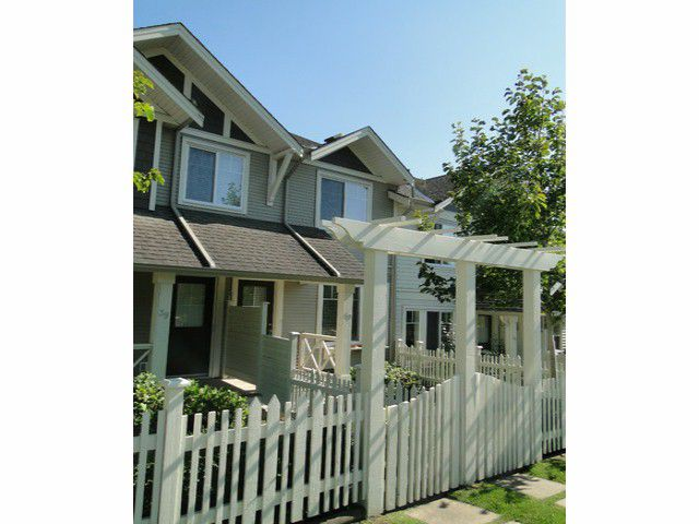 """Main Photo: 40 4401 BLAUSON Boulevard in Abbotsford: Abbotsford East Townhouse for sale in """"Sage at Auguston"""" : MLS®# F1419507"""