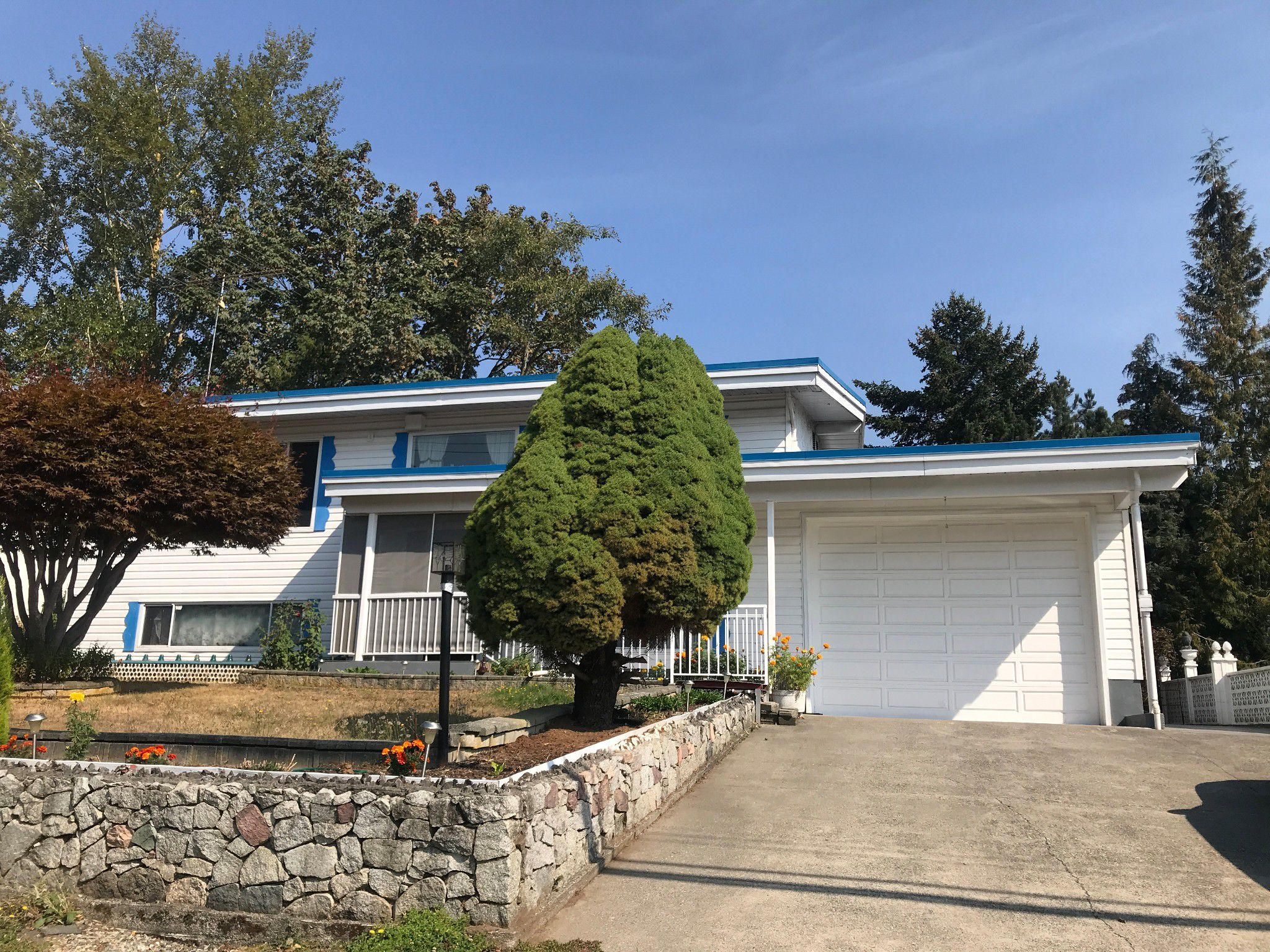 Main Photo: 34285 George Ferguson Way in Abbotsford: Abbotsford East House for rent