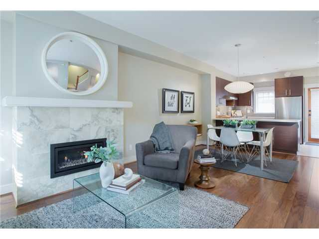 """Main Photo: 5918 OAK Street in Vancouver: Oakridge VW Townhouse for sale in """"MONTGOMERY TOWNHOMES"""" (Vancouver West)  : MLS®# V973915"""
