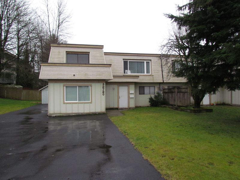Main Photo: A 32720 East Broadway Street in Abbotsford: Central Abbotsford Condo for rent