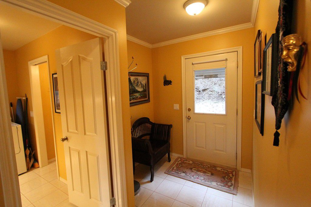 Main Photo: 2393 Vickers Trail in Anglemont: North Shuswap House for sale (Shuswap)  : MLS®# 10078378