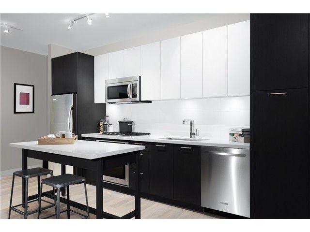 Main Photo: 423 396 E 1 Avenue in Vancouver: Condo for sale