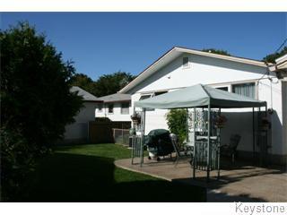 Main Photo: 251 Doran Bay in Winnipeg: Westwood / Crestview Single Family Detached for sale (West Winnipeg)  : MLS®# 1317637