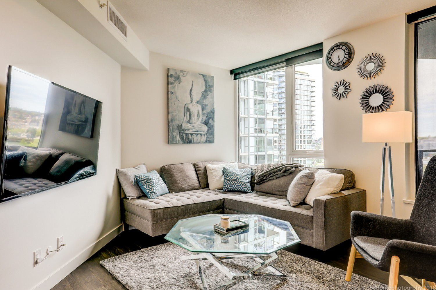 Main Photo: 68 Smithe in : Yaletown Condo for lease (Vancouver)