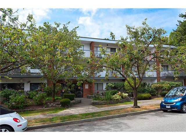 Main Photo: #302 1950 W 8th Ave in Vancouver: Kitsilano House for sale (Vancouver West)  : MLS®# V1043465