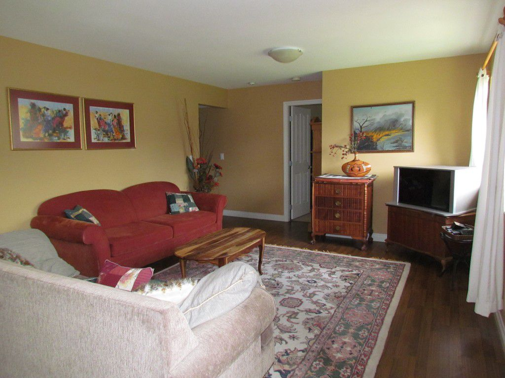 Main Photo: BSMT 34816 2nd Ave in Abbotsford: Poplar Condo for rent