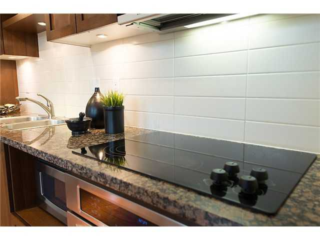 """Photo 5: Photos: 321 2268 W BROADWAY in Vancouver: Kitsilano Condo for sale in """"The Vine"""" (Vancouver West)  : MLS®# V1073483"""