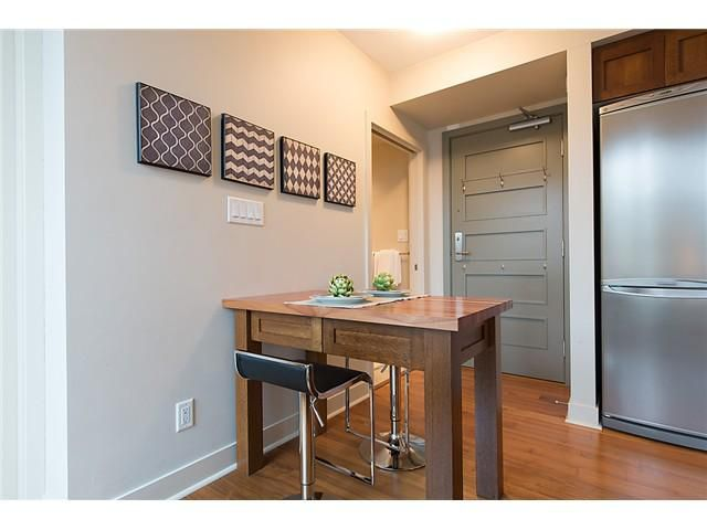 """Photo 10: Photos: 321 2268 W BROADWAY in Vancouver: Kitsilano Condo for sale in """"The Vine"""" (Vancouver West)  : MLS®# V1073483"""