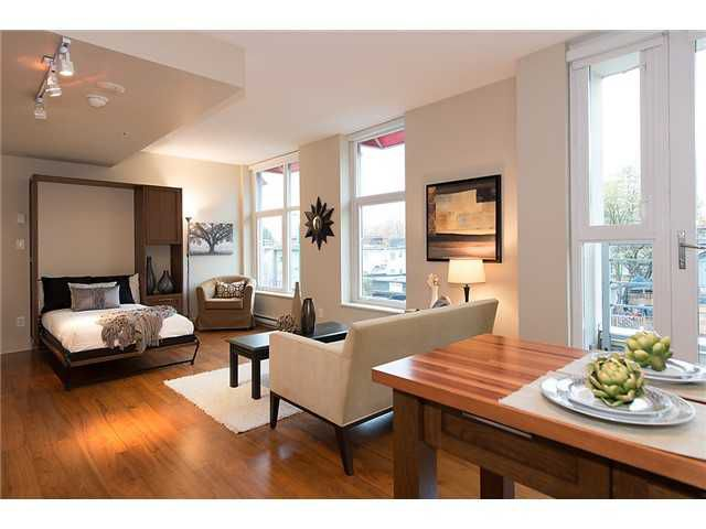 """Photo 2: Photos: 321 2268 W BROADWAY in Vancouver: Kitsilano Condo for sale in """"The Vine"""" (Vancouver West)  : MLS®# V1073483"""