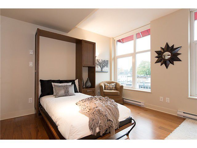 """Photo 6: Photos: 321 2268 W BROADWAY in Vancouver: Kitsilano Condo for sale in """"The Vine"""" (Vancouver West)  : MLS®# V1073483"""