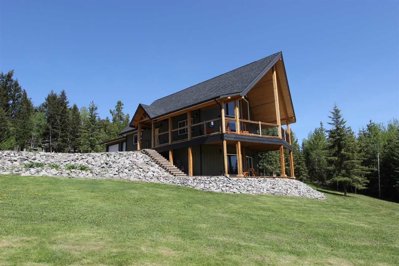 Main Photo: 5998 VALLEYVIEW DRIVE: Horse Lake House for sale (100 Mile House (Zone 10))  : MLS®# R2268385