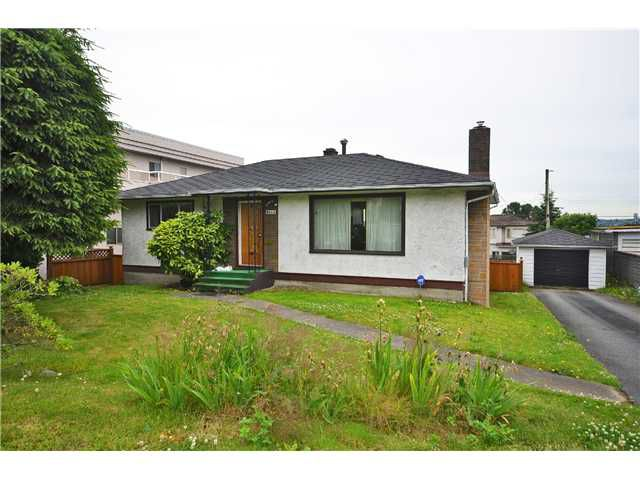 """Main Photo: 6244 KITCHENER Street in Burnaby: Parkcrest House for sale in """"Parkcrest"""" (Burnaby North)  : MLS®# V1015640"""