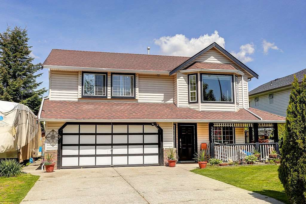 Main Photo: 32691 KUDO DRIVE in Mission: Mission BC House for sale : MLS®# R2063757