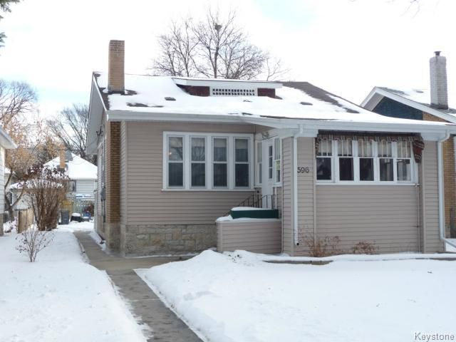 Main Photo: 596 Rathgar Avenue in Winnipeg: Fort Rouge / Crescentwood / Riverview Single Family Detached for sale (Central Winnipeg)  : MLS®# 1501606