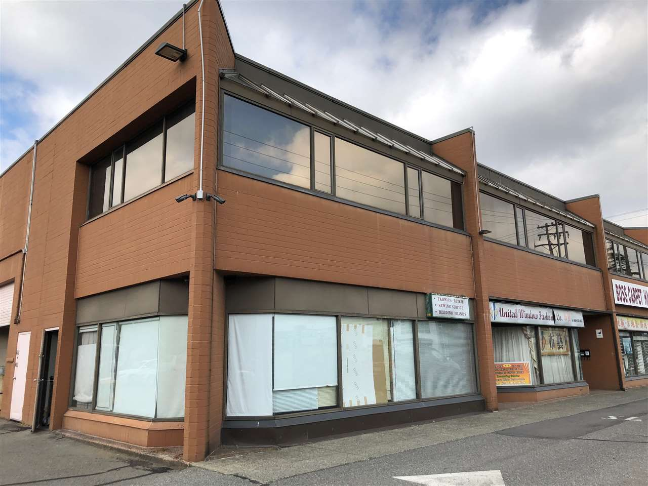 Main Photo: 207 11240 BRIDGEPORT ROAD in Richmond: East Cambie Office for lease : MLS®# C8020662