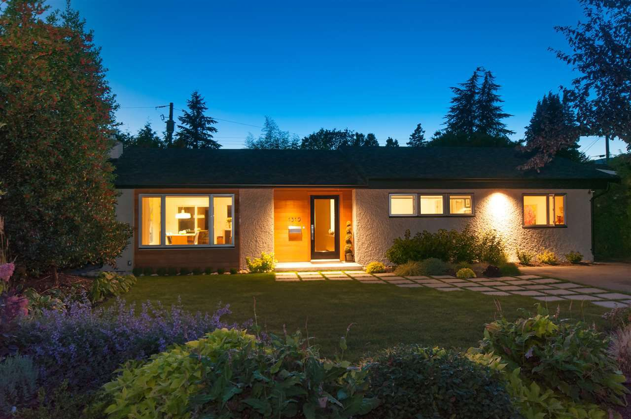 Main Photo: 1319 Oakwood Crescent in North Vancouver: Norgate House for sale : MLS®# R2108983