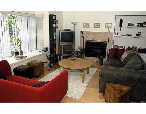 Main Photo: 905 W 16TH AV in Vancouver: Fairview VW Townhouse for sale (Vancouver West)  : MLS®# V539569