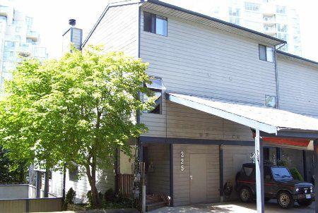 Main Photo: 225 Balmoral Place: Condo for sale (North Shore Pt Moody)  : MLS®# 712923