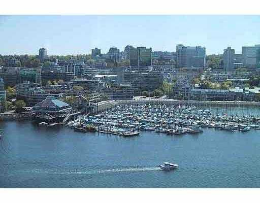 """Main Photo: 1228 MARINASIDE Crescent in Vancouver: False Creek North Condo for sale in """"CRESTMARK II"""" (Vancouver West)  : MLS®# V618510"""