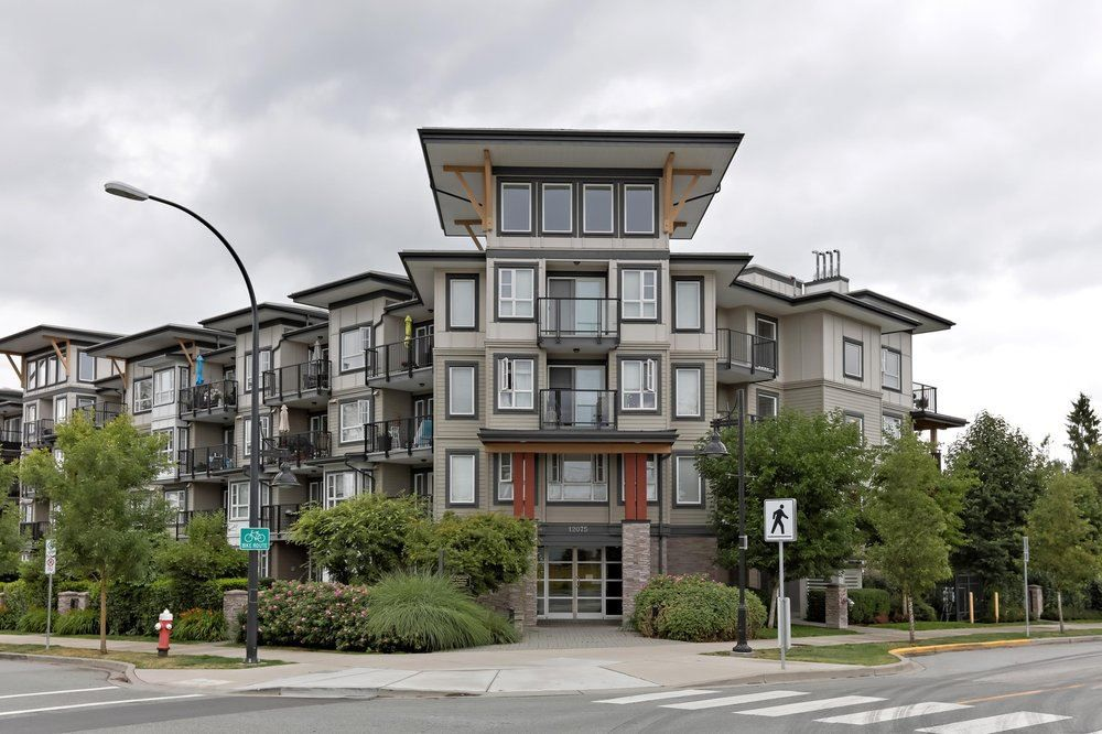 Main Photo: 411 12075 EDGE Street in Maple Ridge: East Central Condo for sale : MLS®# R2388528