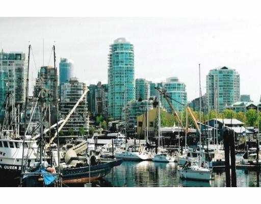 """Main Photo: 606 1500 HORNBY ST in Vancouver: False Creek North Condo for sale in """"888 BEACH"""" (Vancouver West)  : MLS®# V562930"""