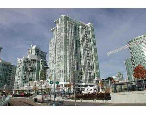 "Main Photo: 2201 1077 MARINASIDE CR in Vancouver: False Creek North Condo for sale in ""MARINASIDE RESORT"" (Vancouver West)  : MLS®# V549852"