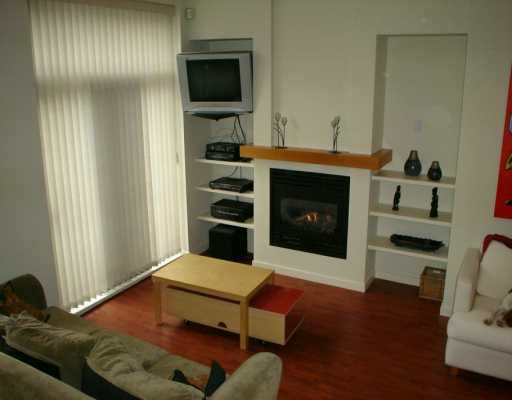 """Main Photo: 981 RICHARDS ST in Vancouver: Downtown VW Condo for sale in """"MONDRIAN 1"""" (Vancouver West)  : MLS®# V583808"""
