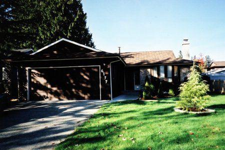 Main Photo: 6177 130 Street, Surrey: House for sale (Panorama Ridge)  : MLS®# 2327012
