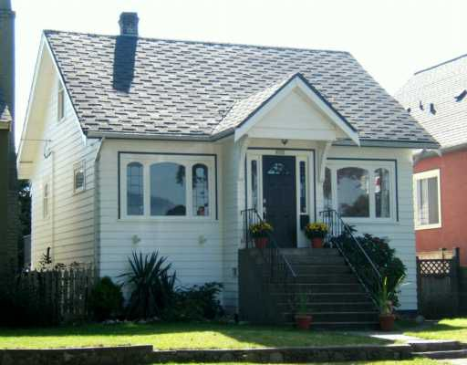 "Main Photo: 2608 WILLIAM ST in Vancouver: Renfrew VE House for sale in ""RENFREW"" (Vancouver East)  : MLS®# V613815"