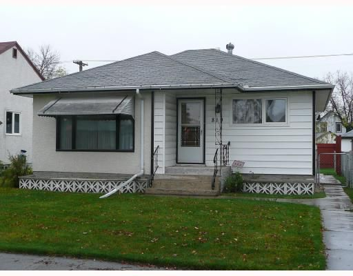 Main Photo: 819 BANNERMAN Avenue in WINNIPEG: North End Single Family Detached for sale (North West Winnipeg)  : MLS®# 2717640