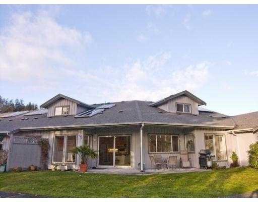 "Main Photo: 11 5761 WHARF Avenue in Sechelt: Sechelt District Townhouse for sale in ""ROYAL REACH"" (Sunshine Coast)  : MLS®# V692474"