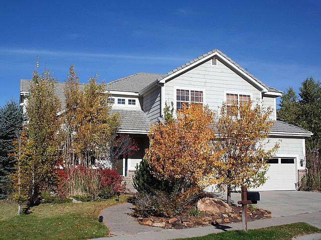 Main Photo: 6399 Saddle Rock Trail in Aurora: Residential Detached for sale : MLS®# 908338