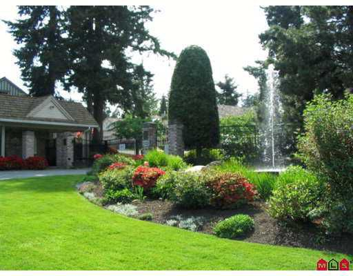 """Main Photo: 40 2533 152ND Street in White_Rock: Sunnyside Park Surrey Townhouse for sale in """"Bishop's Green"""" (South Surrey White Rock)  : MLS®# F2713883"""