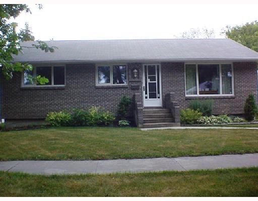 Main Photo: 172 POPLARWOOD Avenue in WINNIPEG: St Vital Single Family Detached for sale (South East Winnipeg)  : MLS®# 2715185