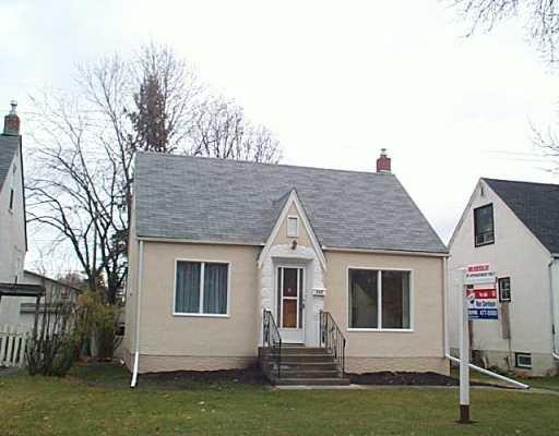Main Photo: 292 RENFREW Street in Winnipeg: River Heights / Tuxedo / Linden Woods Single Family Detached for sale (South Winnipeg)  : MLS®# 2517135