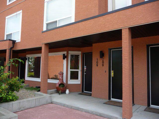 Main Photo: 109 10105 95 Street in Edmonton: Zone 13 Condo for sale : MLS®# E4165586