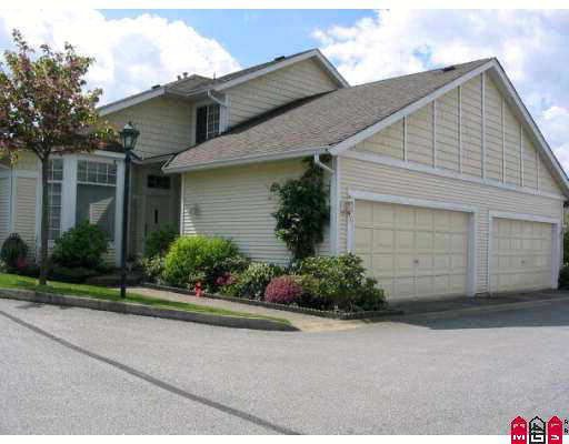 """Main Photo: 44 9012 WALNUT GROVE Drive in Langley: Walnut Grove Townhouse for sale in """"QUEEN ANNE GREEN"""" : MLS®# F2812311"""