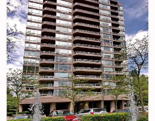 """Main Photo: 406 9633 MANCHESTER Drive in Burnaby: Cariboo Condo for sale in """"STRATHMORE TOWERS"""" (Burnaby North)  : MLS®# V711915"""