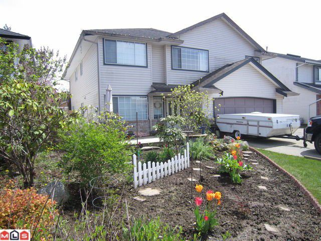 Main Photo: 8442 CADE BARR ST in Mission: Mission BC House for sale : MLS®# F1112041