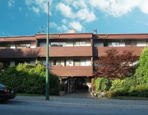 "Main Photo: 305 341 W 3RD Street in North_Vancouver: Lower Lonsdale Condo for sale in ""THE LISA"" (North Vancouver)  : MLS®# V710690"