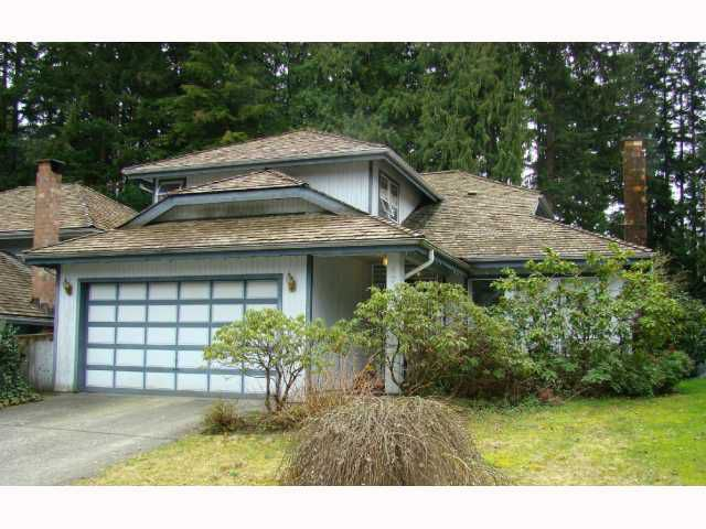 """Main Photo: 4715 WOODROW CR in North Vancouver: Lynn Valley House for sale in """"Timber Ridge"""" : MLS®# V814737"""