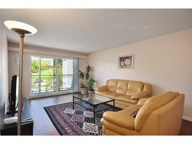 "Main Photo: # 312 550 ROYAL AV in New Westminster: Downtown NW Condo for sale in ""HARBOURVIEW"" : MLS®# V886949"