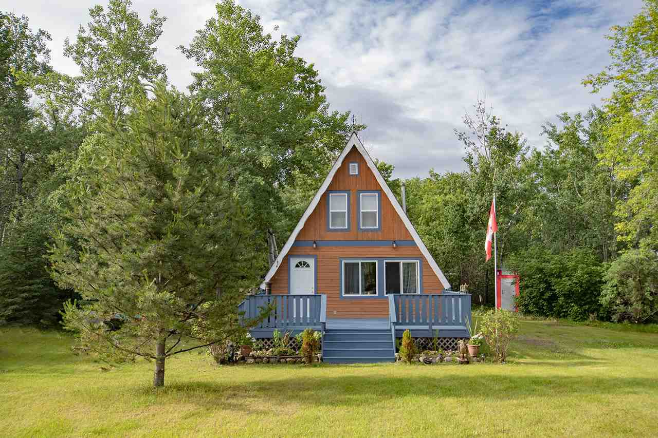 Main Photo: 216 56225 Rd Rd 43: Rural St. Paul County Cottage for sale : MLS®# E4165380