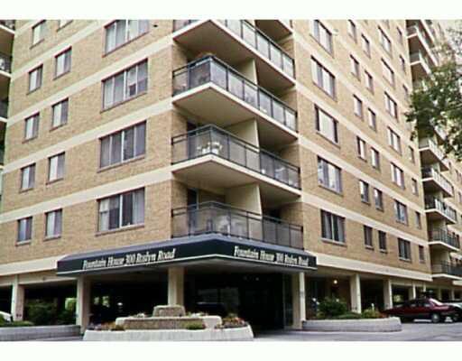 Main Photo: 4G 300 ROSLYN Road in WINNIPEG: River Heights / Tuxedo / Linden Woods Condominium for sale (South Winnipeg)  : MLS®# 2406122