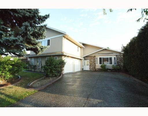 """Main Photo: 7800 MALAHAT Avenue in Richmond: Broadmoor House for sale in """"MAPLE LANE"""" : MLS®# V787458"""