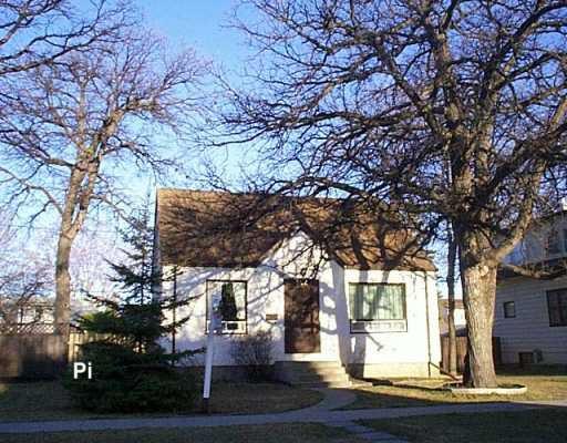 Main Photo: 382 WOODLAWN Street in Winnipeg: St James Single Family Detached for sale (West Winnipeg)  : MLS®# 2605166
