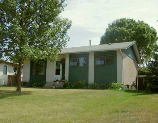 Main Photo: 1457 CHANCELLOR Drive in Winnipeg: Fort Garry / Whyte Ridge / St Norbert Single Family Detached for sale (South Winnipeg)  : MLS®# 2612115