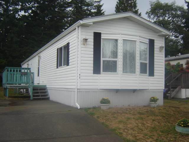 Main Photo: 390 COWICHAN AVE in COURTENAY: Manufactured/Mobile for sale (#42)  : MLS®# 304122