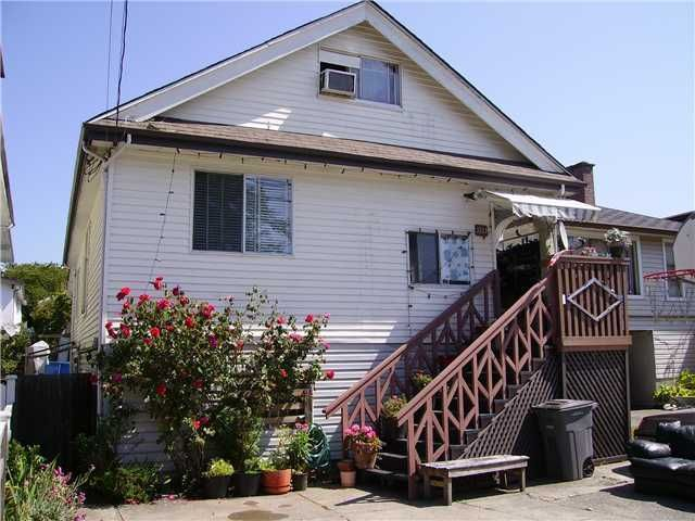 Main Photo: 3120 Vanness Av in Vancouver: House for sale : MLS®# v843256
