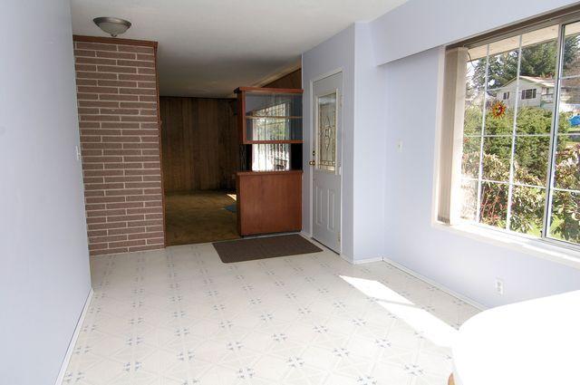 Photo 3: Photos: 185 QUAMICHAN AVENUE in LAKE COWICHAN: House for sale : MLS®# 330937